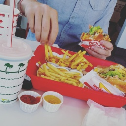 First time at In-N-Out Burger (and Milkshake, duh!)